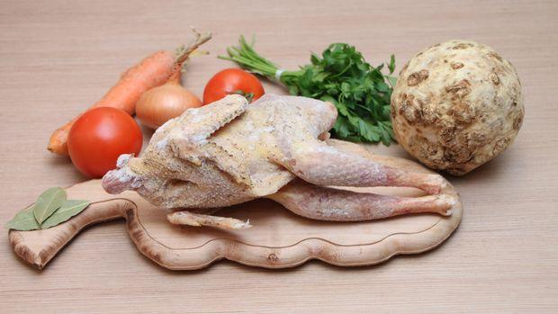 Ilustrasi Ayam Mentah
