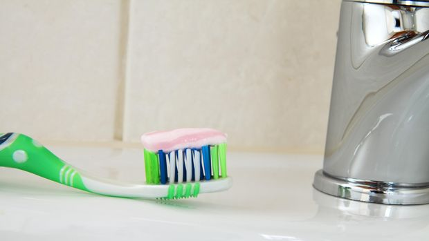 Mencegah dan Mengatasi Gigi Berlubang