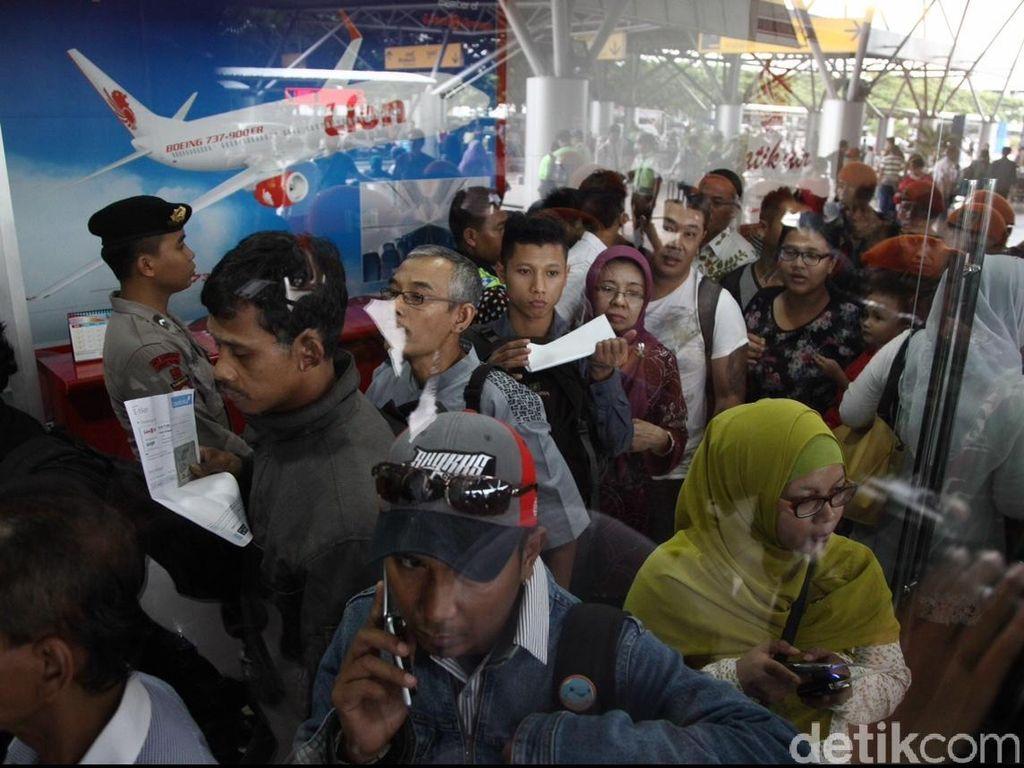 Harga Tiket Pesawat Belum Turun, Maskapai Siap-siap Kena Tegur