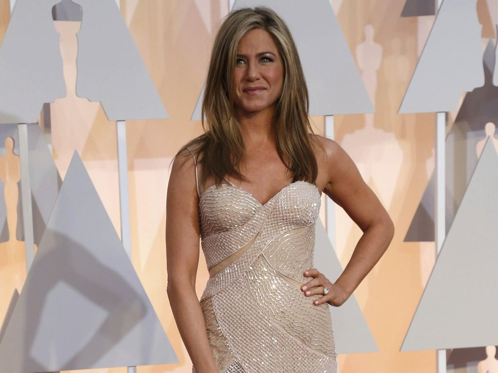 Jennifer Aniston Kini Lebih Nyaman Tampil Tanpa Makeup