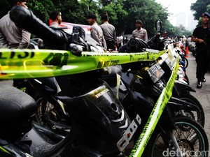 Dua Pemuda Tipu Korbannya, Sepeda Motor Ditukar dengan Keris
