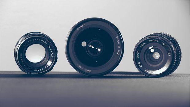 Ilustrasi lensa kamera