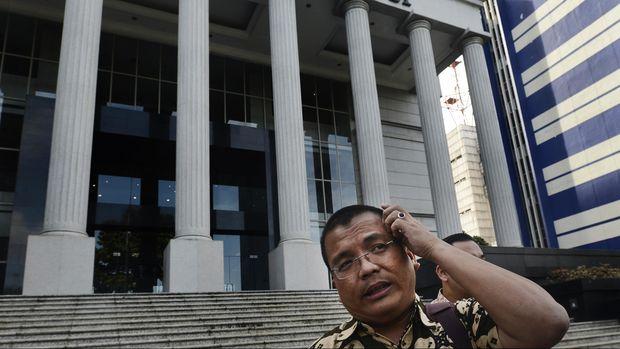 Rocky Gerung Cs Gugat Ambang Batas Presiden