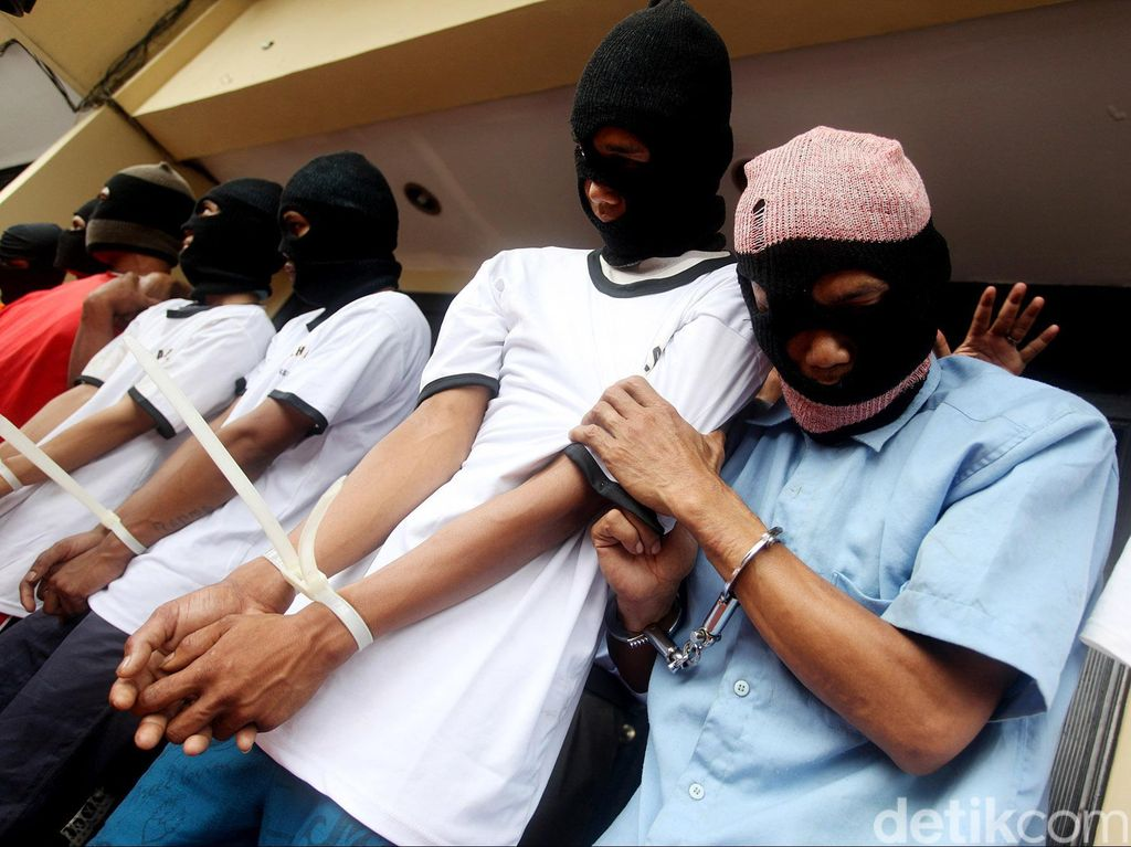 Kompolnas: Polisi Jangan Ragu Tembak Pelaku Street Crime