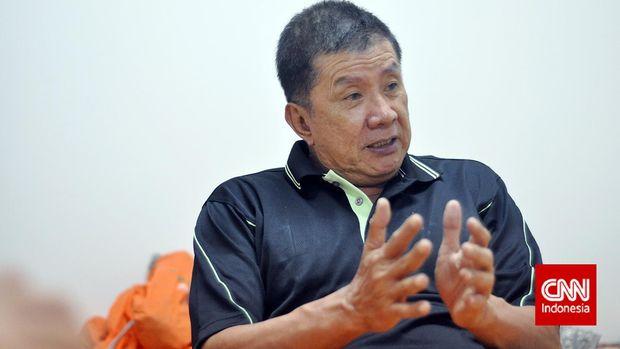 Rudy Hartono, salah satu legenda bulu tangkis Indonesia. Rudy memenangi delapan titel All England sepanjang karirnya, dengan tujuh diantaranya dilakukan secara beruntun. Ia juga menjadi bagian penting Indonesia saat memenangi Piala Thomas pada tahun 1970, 1973, 1976, dan 1979. Rudy pun berhasil menjadi juara dunia pada tahun 1980.