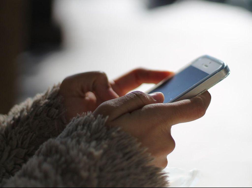 Layanan SMS Bunda Untuk Tekan Angka Kematian Ibu dan Bayi di Jateng