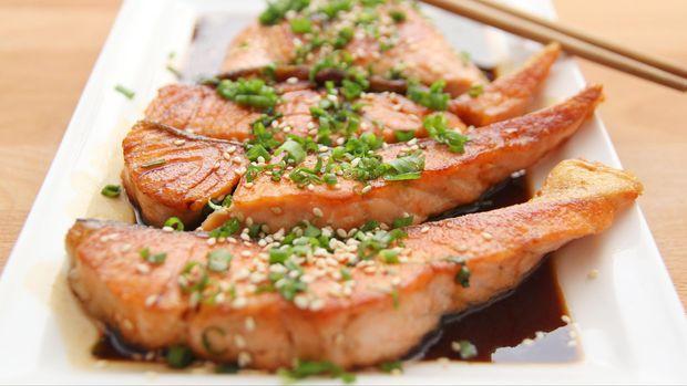 Ilustrasi Salmon teriyaki