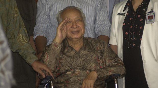 Ketika sakit bahkan hingga jelang tutup usia, Presiden RI ke-2 Soeharto tak mau lagi bertemu BJ Habibie.