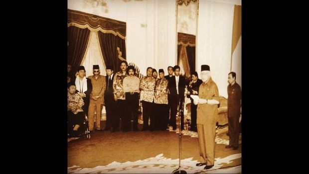 Pengunduran diri Suharto 1998