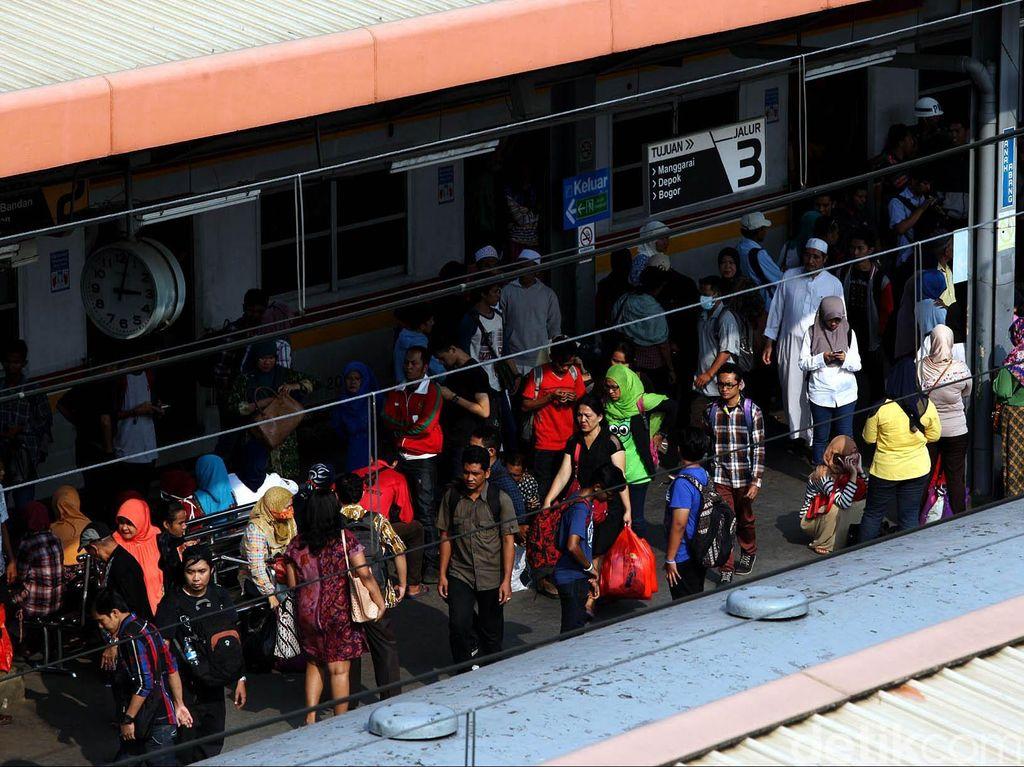 Mantap! 4 Stasiun KRL Bakal Tersambung MRT
