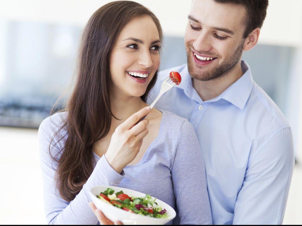 5 Kejutan yang Bisa Bikin Suami Bahagia Saat Libur Kerja