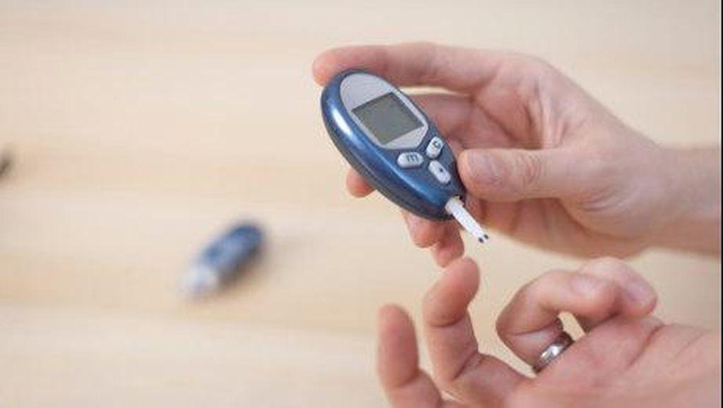 Punya Riwayat Diabetes? Ini 5 Tanda Gula Darah Sedang Tinggi