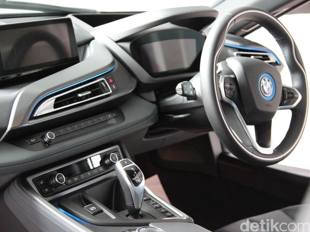 BMW Siapkan 12 Mobil Listrik Tahun 2023