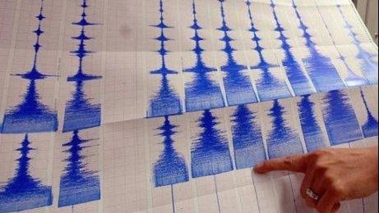 Gempa 5,9 SR Guncang Donggala Sulteng