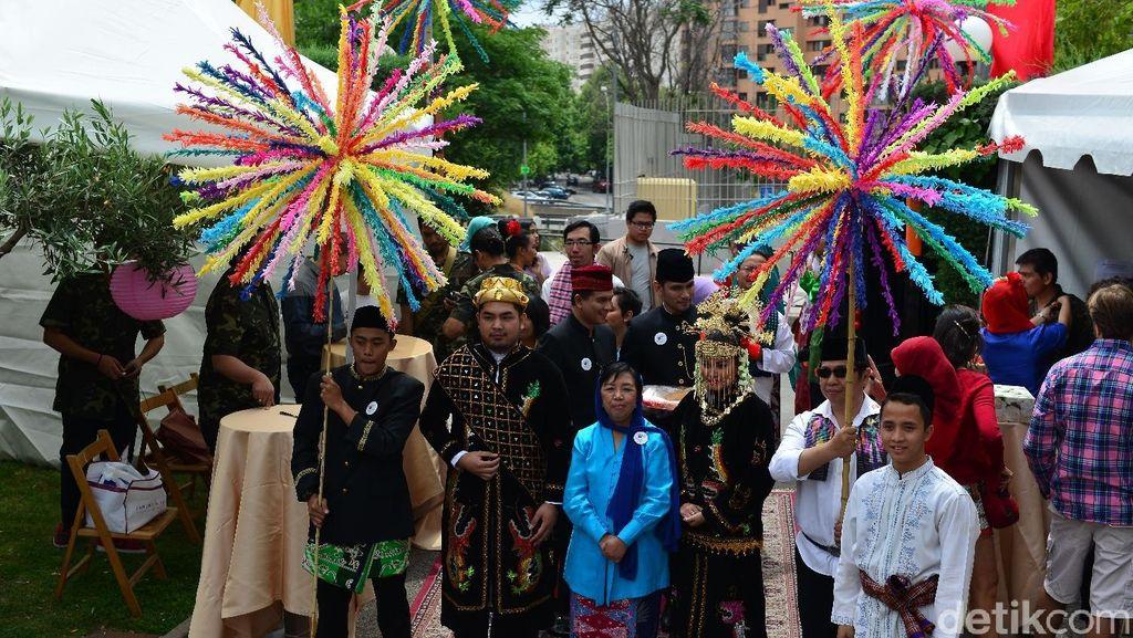 Bujug Buneng, Betawi Dominasi Bazar Solidario Spanyol