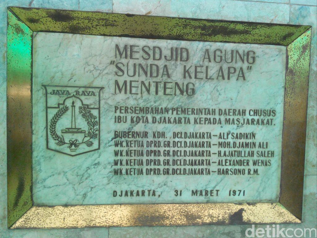 Berburu Takjil Murah Meriah di Masjid Sunda Kelapa