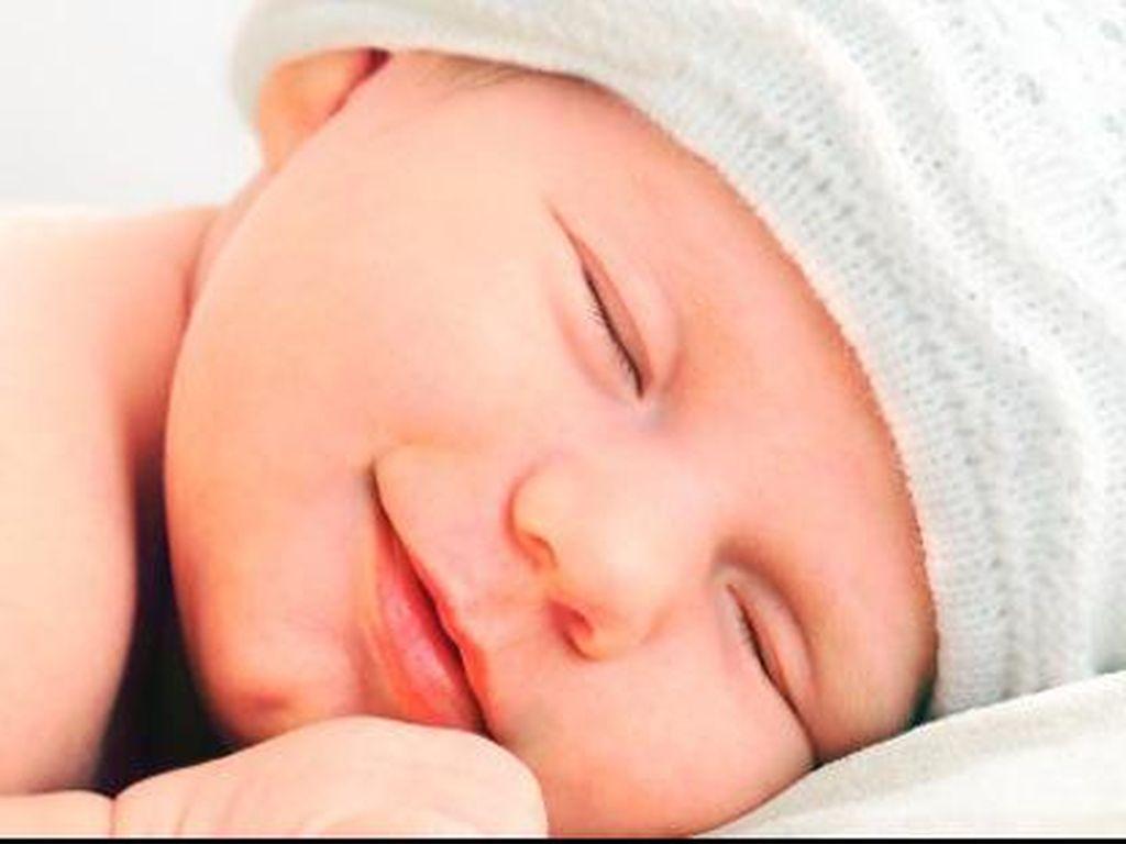 Tentang Tidur Seranjang dengan Bayi, Pro atau Kontra, Bun?