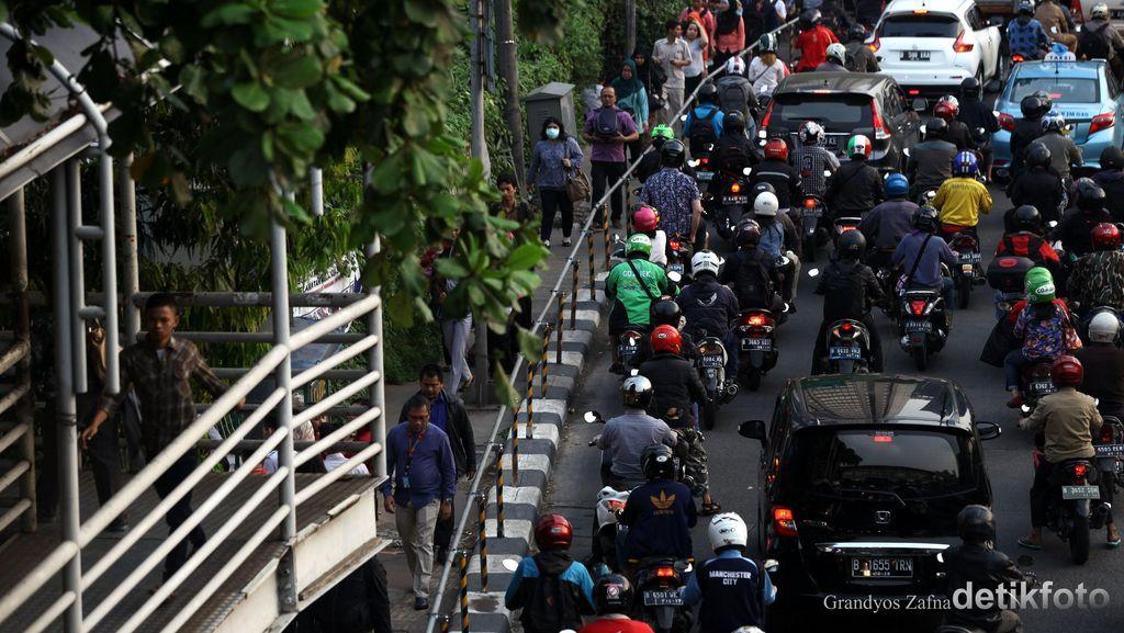 Pemprov Jabar Minta Leasing Talangi Pajak Kendaraan Roda Dua