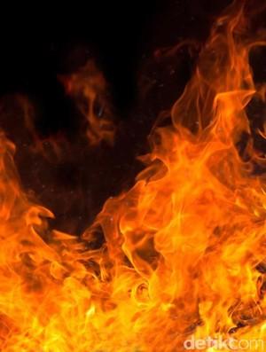 Tabung Gas di RM Soto Kudus Depok Meledak, 3 Orang Terluka