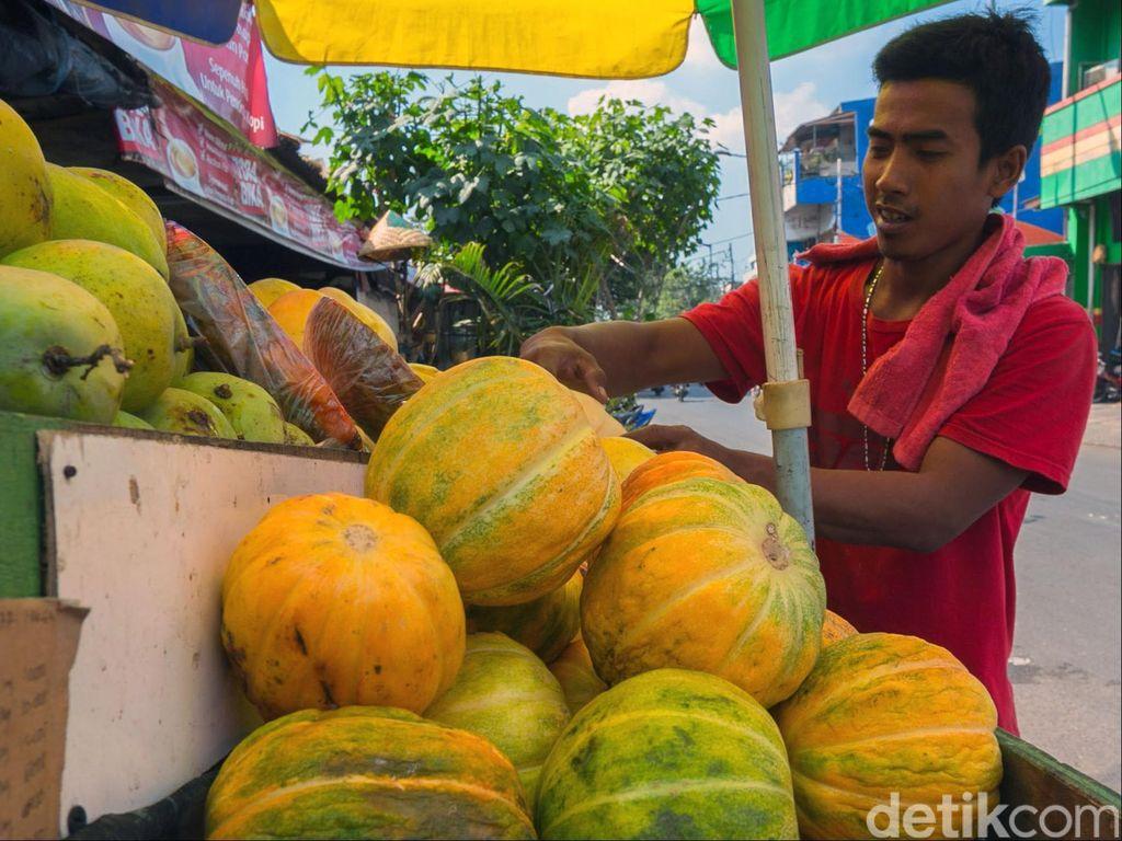 Bulan Ramadan, Buah Waluh Laris Manis di Ngawi