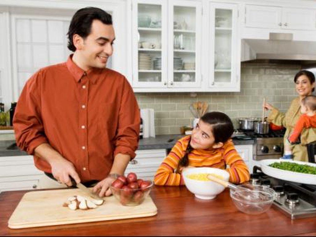 Anak Lebih Banyak Makan Sayur Jika Diajak Memasak