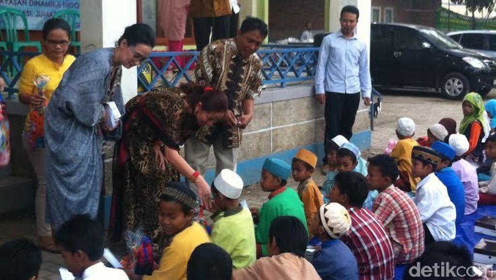 Kunjungi SD di Bantar Gebang, Venna Melinda Tanyakan Fasilitas yang Kurang