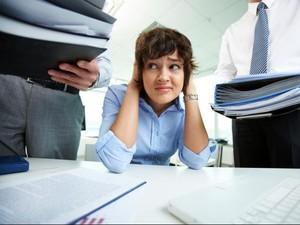 Duh, Studi Ini Sebut Bonus bagi Pekerja Justru Picu <i>Overwork</i>