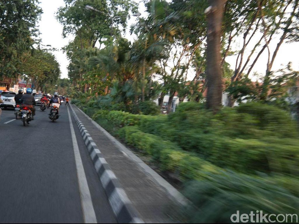 Nekat Melintasi Dua Jalan yang Ditutup di Surabaya, Siap-siap Diamankan Polisi