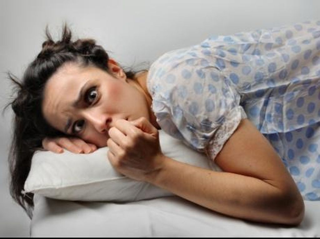 Catat Nih! Tips Hindari Salah Bantal Saat Tidur