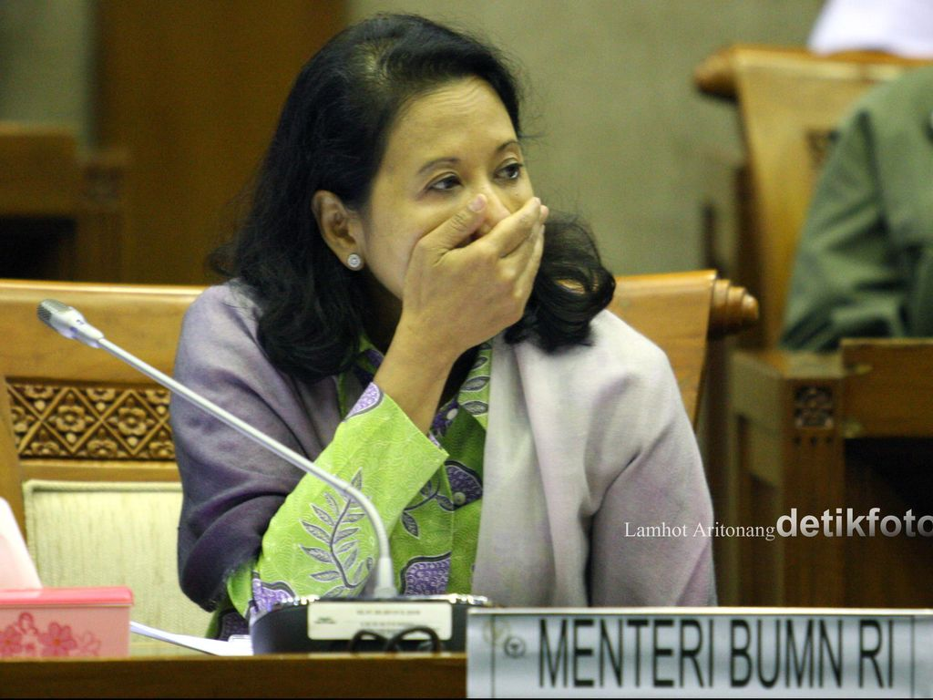Jawab Isu Reshuffle, Rini: Tanya ke Presiden!