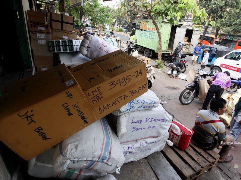 Kiriman Paket Lelet, Keluh Kesah Pelanggan Tumpah di Internet