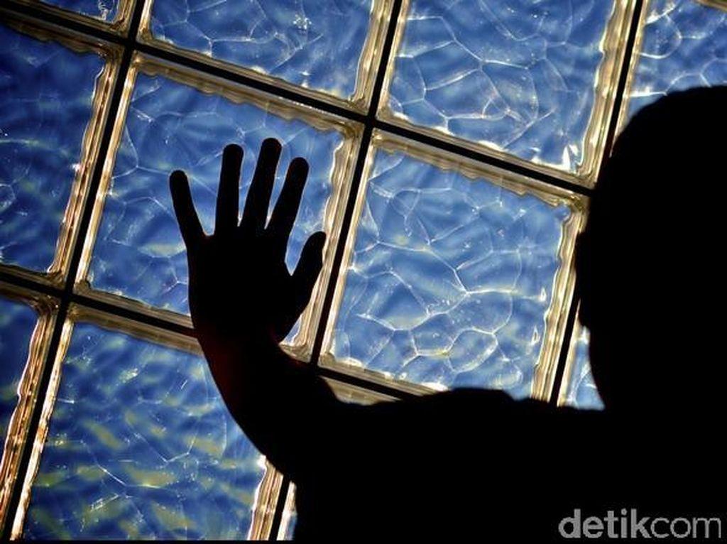 Polisi Periksa Bu RT di Jakut yang Hajar Warga Gegara Tanya Sembako