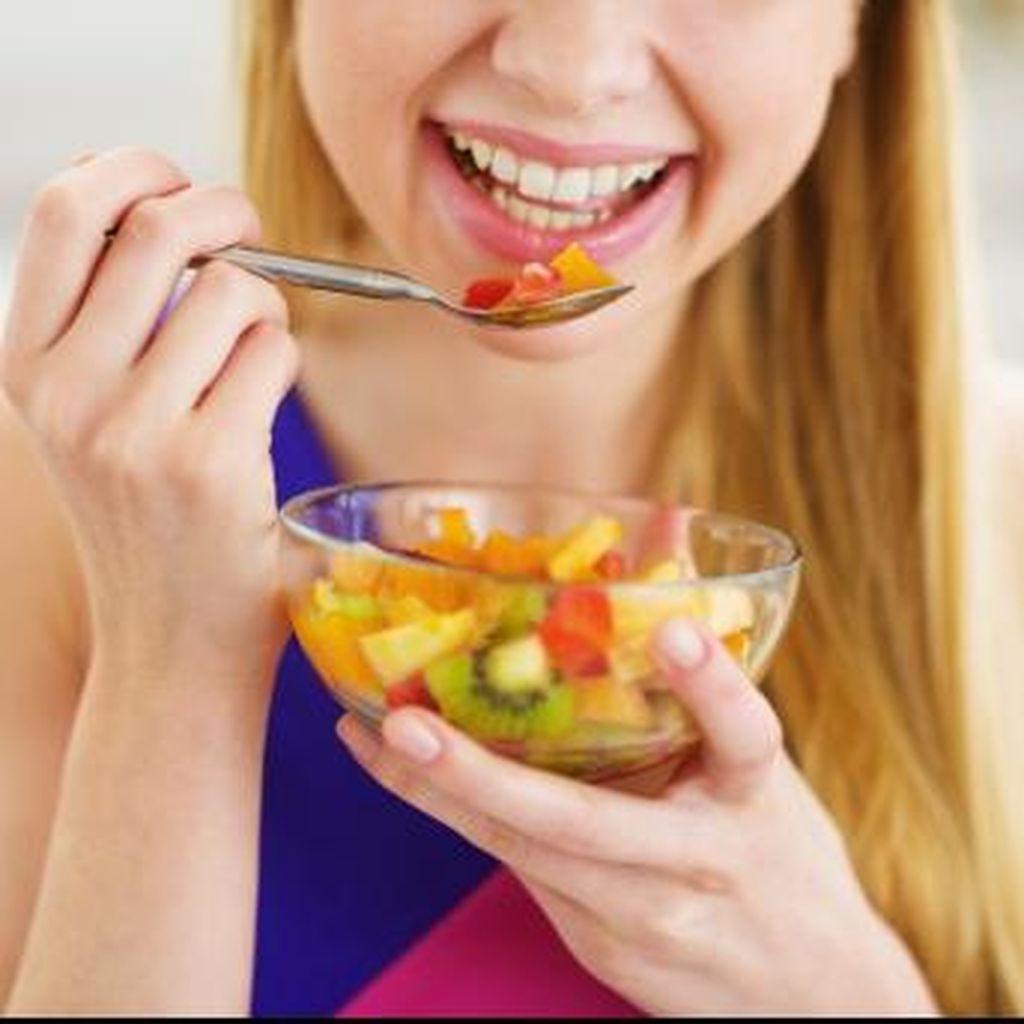 Makan Buah Paling Baik Saat Perut Kosong atau Setelah Makan?