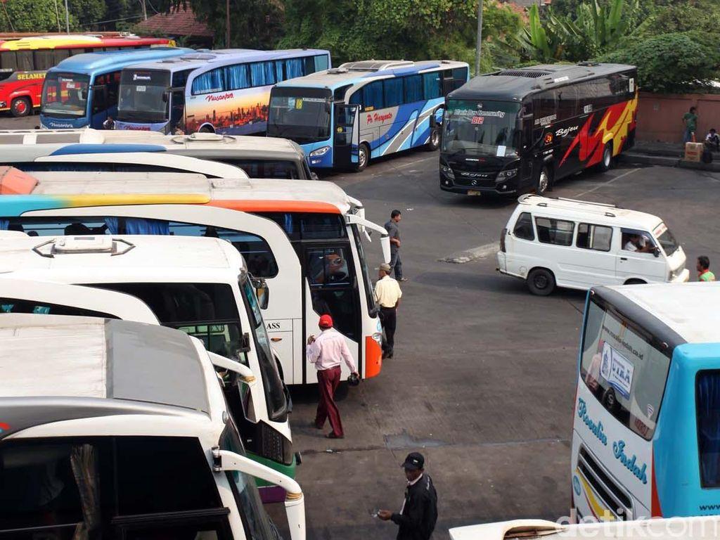 Pengusaha Angkutan Umum Keluhkan Tarif Tol Trans Jawa Mahal