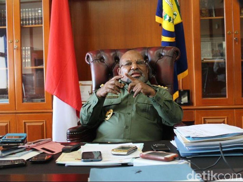 Kontroversi Gubernur Papua Berobat: Sewa Pesawat ke Jakarta-Dideportasi PNG