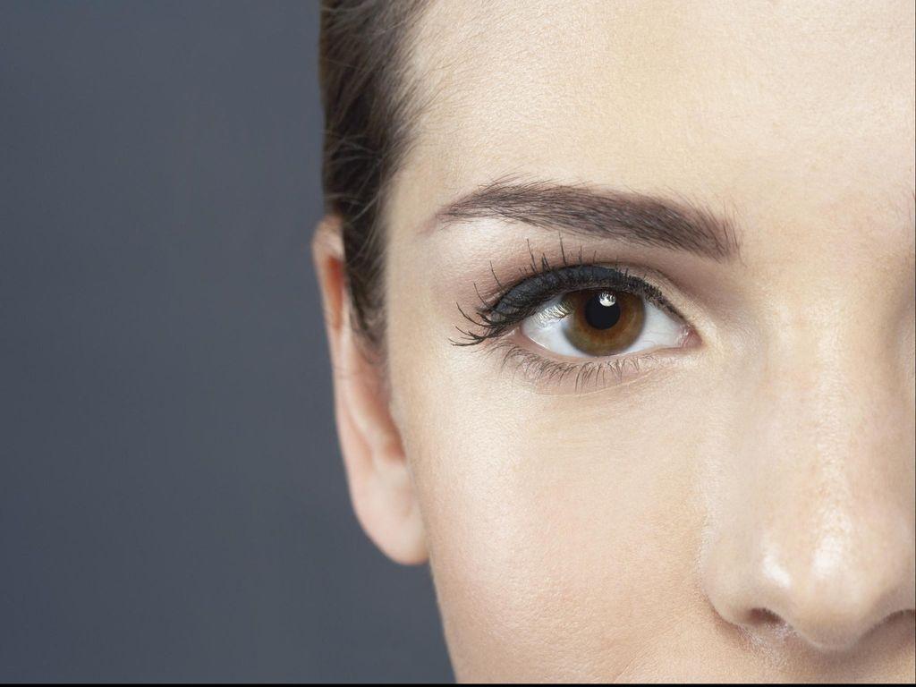 Mata Sering Bengkak Saat Bangun Tidur? Mungkin Ini Penyebabnya