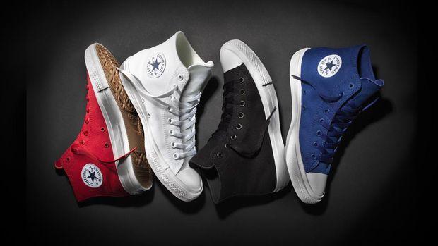 Sepatu Chuck Taylor 2.0 yang mendapat perubahan di sol sepatu agar lebih nyaman.