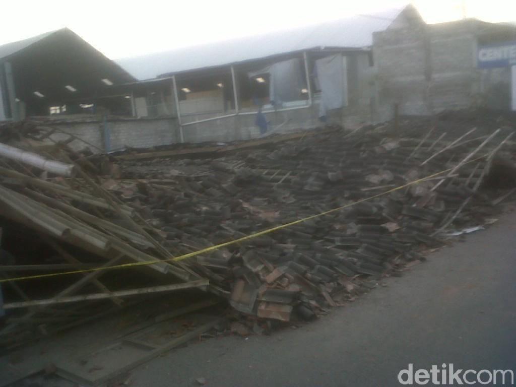Gedung Sekolah Ambruk, 7 Anak-anak Tewas dan Puluhan Terluka