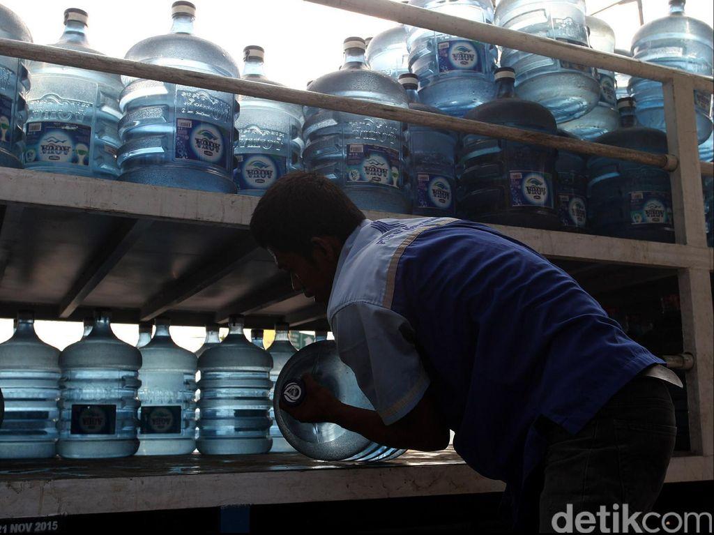 Tenang! Produk Aqua Terdampak Banjir Bakal Dimusnahkan