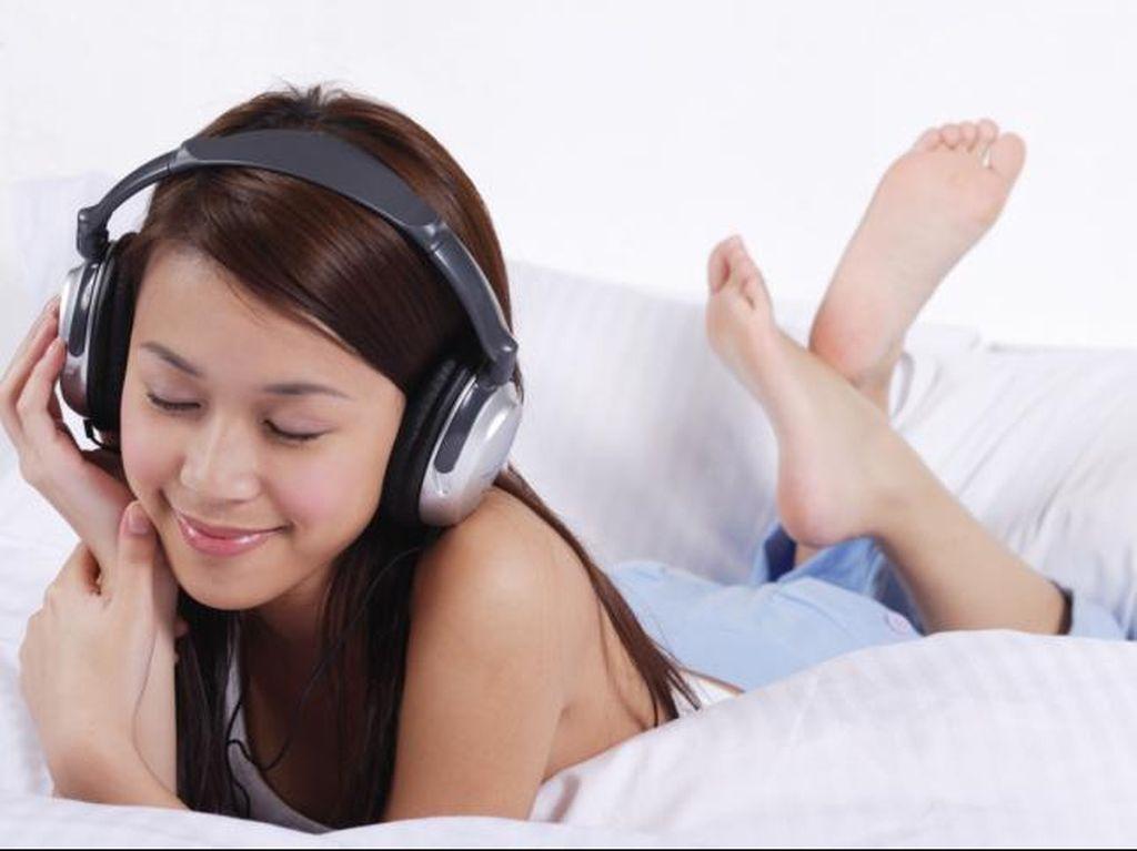 Banyak yang #Dirumahaja, Tapi Pendengar Musik Streaming Malah Turun