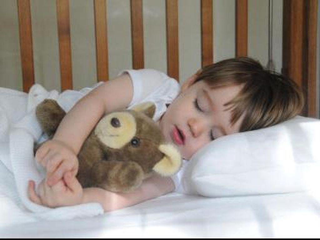 Masih Adakah Bunda yang Kesulitan Bangunkan Anak untuk Sahur?