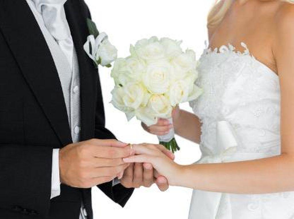 Pernikahan Murah Jadi Incaran Banyak Orang, Positif kah?