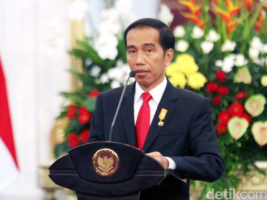 Jokowi Teken Aturan Mobil Listrik di Awal 2019