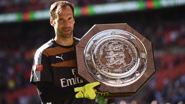 Petr Cech pindah ke Arsenal karena restu roman Abramovic.