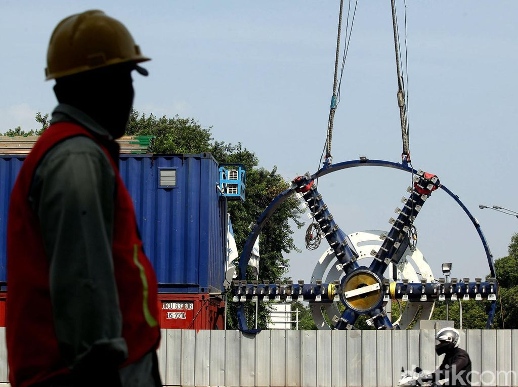 Minggu Diresmikan Jokowi, Intip Momen MRT Dibangun dari Awal