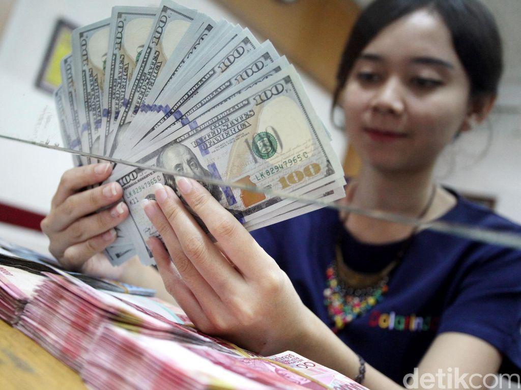 Benarkah Dolar AS Sudah Tembus Rp 16.000?