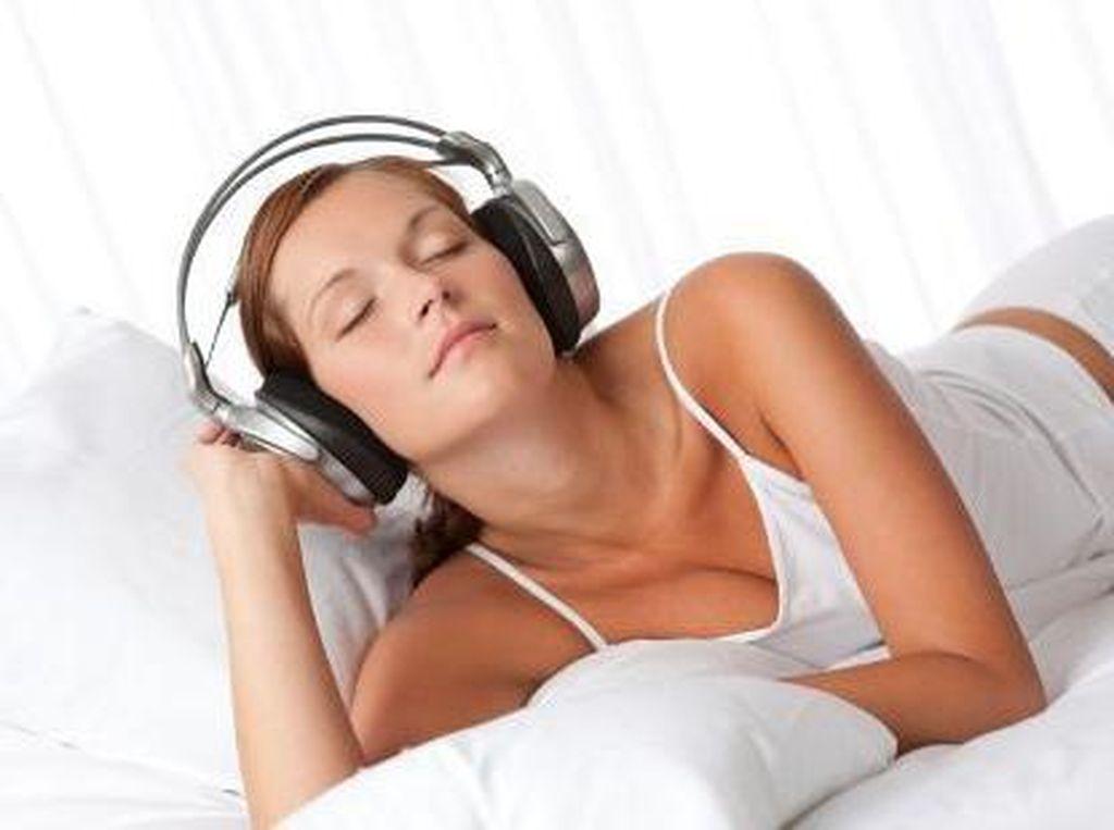 Manfaat Musik Bagi Kesehatan Otak: Cegah Pikun Hingga Bikin Kreatif