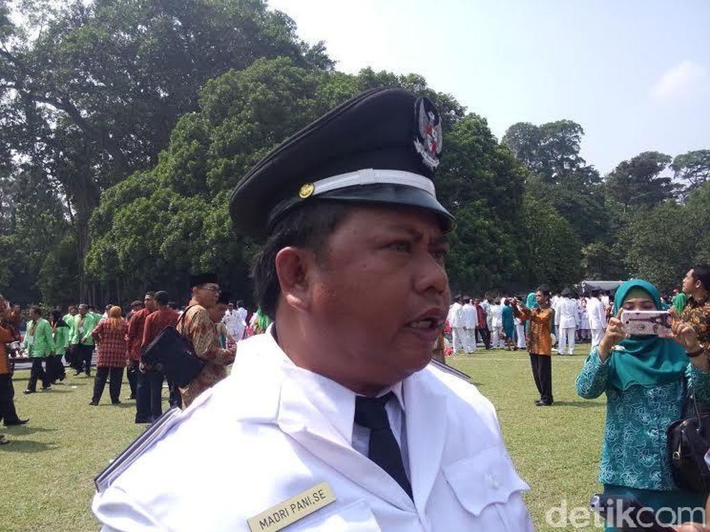 Sukses Bikin Gerakan Jamban Sehat, Kades Gurimbang Dipuji Jokowi