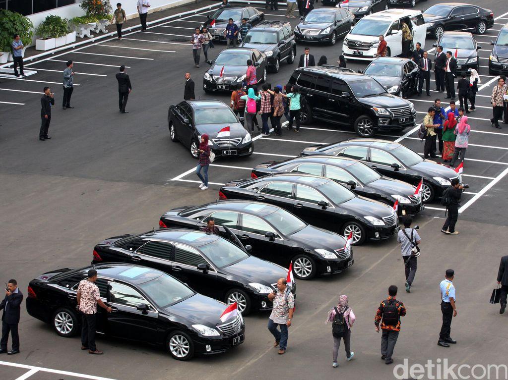 Selain Jokowi, Menteri-menterinya Juga Bakal Dapat Mobil Baru