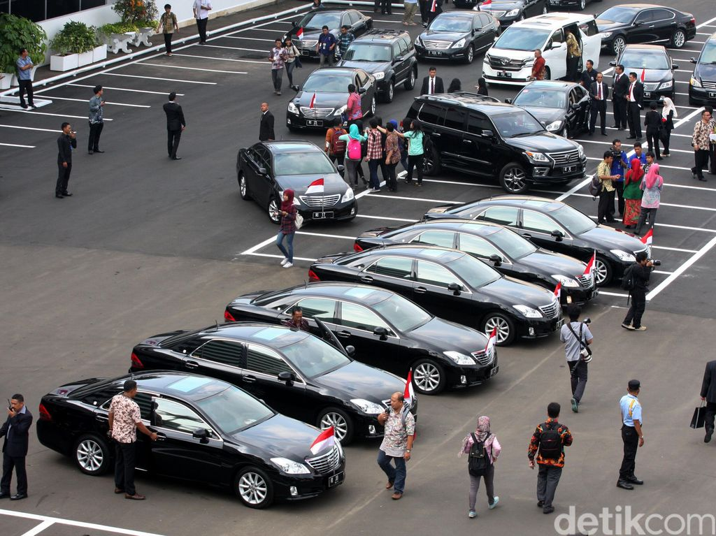 Toyota: Harga Mobil Menteri Rp 1,5 Miliar